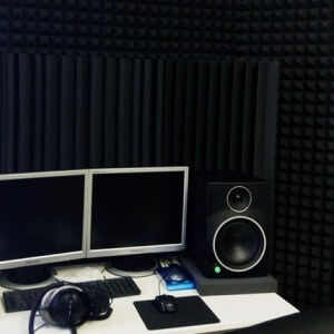 """Звукопоглощающий акустический поролон """"Пирамида"""" 2*1 метр, 50 мм. в студии звукозаписи"""